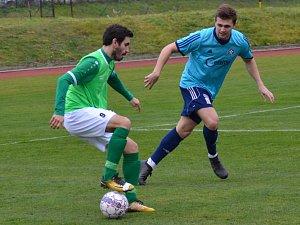 Po trefě kapitána Václava Nováka (u míče, na snímku z posledního domácího zápasu s Katovicemi) vedli zelenobílí v Třeboni po hodině hry o dva góly, ale nakonec se z podzimní derniéry vraceli domů s prázdnou.