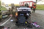 Vážná nehoda se tala časně ráno na křižovatce v Holkově.