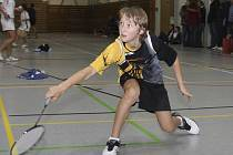 Jedenáctiletý Petr Beran ze Sokola Křemže vezl z Břeclavi stříbro z dvouhry, zlato ze čtyřhry a bronz ze smíšené čtyřhry.