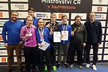 Badmintonisté českokrumlovského SKB vybojovali na letošním Mistrovství České republiky skvělou sbírku čtyř stříbrných medailí.
