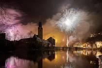 Novoroční ohňostroj v Rožmberku nad Vltavou.