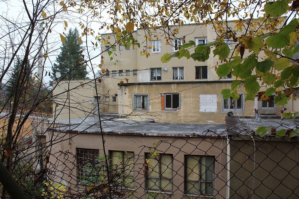 Bývalý Společenský dům ve Větřní v říjnu 2019.
