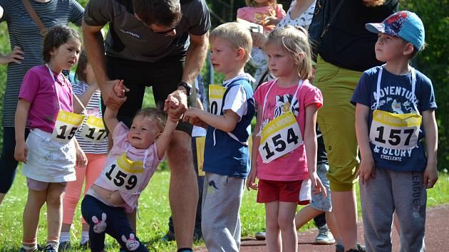Tradičního závodu se zúčastnilo osm desítek atletických nadějí od nejmladšího předškolního věku (na snímku) až po juniory.