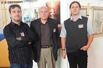 PŘED VLASTNÍMI  DÍLY. Josef Balek (malby), Milan Kozák (malby) a Petr Šrédl (kresby). Jihočeské a české zastoupení na Salon International de la Painture.