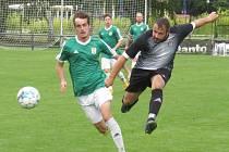 Kaplické béčko (v černo bílém) doma ve druhém kole OP nadělilo Horní Plané devět gólů.