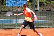 Martin Minárik se v silné konkurenci sedmadvaceti soupeřů prosadil ve dvouhře až na stupínek nejvyšší.