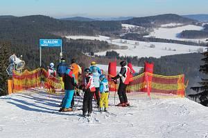 Lyžařské závody pro veřejnost McDonald's Winter Cup.