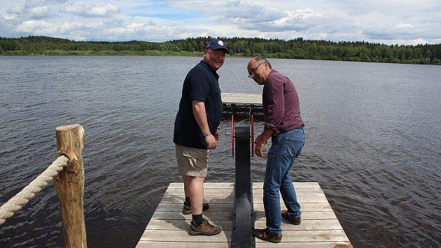 Unikátní naučná stezka kolem rybníka Olšiny je otevřena