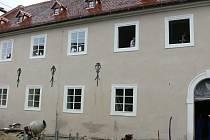 Stavba Centra studijních pobytů na krumlovském zámku úspěšně pokračuje.