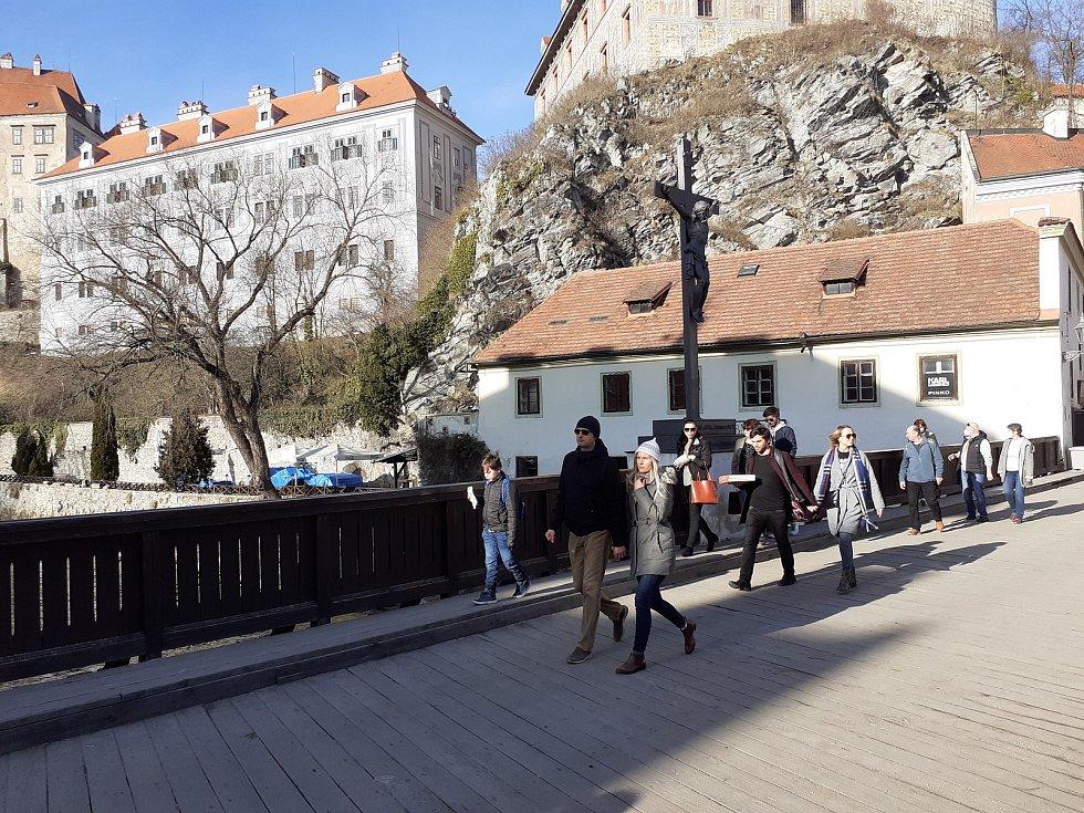 Lazebnický most pod zámeckou věží.