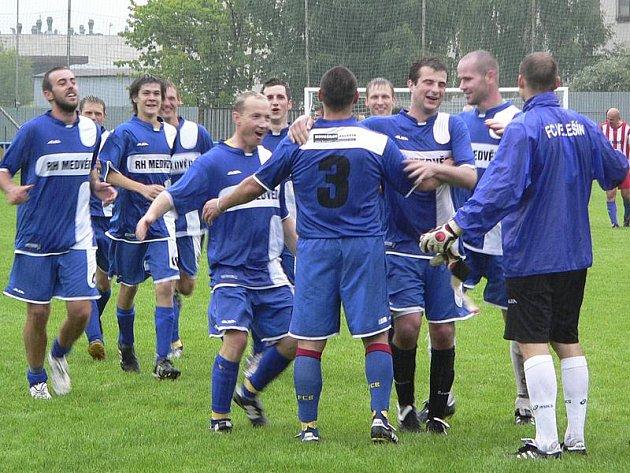 Velešínští triumfovali na domácím Memoriálu Stanislava Kysely staršího, kde ve finále po penaltách udolali oddílové kombinované béčko.