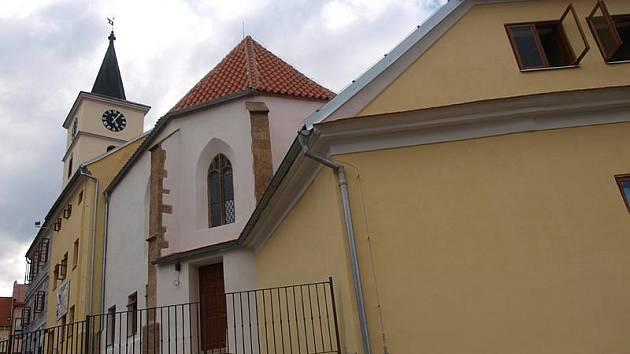 Rekonstrukce bývalého kostela sv. Filipa a Jakuba ve Velešíně stála 30 milionů korun.