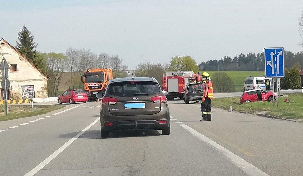 Sobotní dopolední nehoda na Holkově.