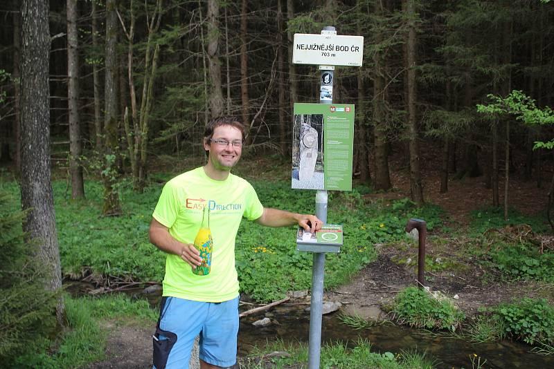 Na nejjižnější bod v Radvanově došel Josef Holoubek pár posledních kilometrů s kolegou poutníkem Lukášem Bayerem.