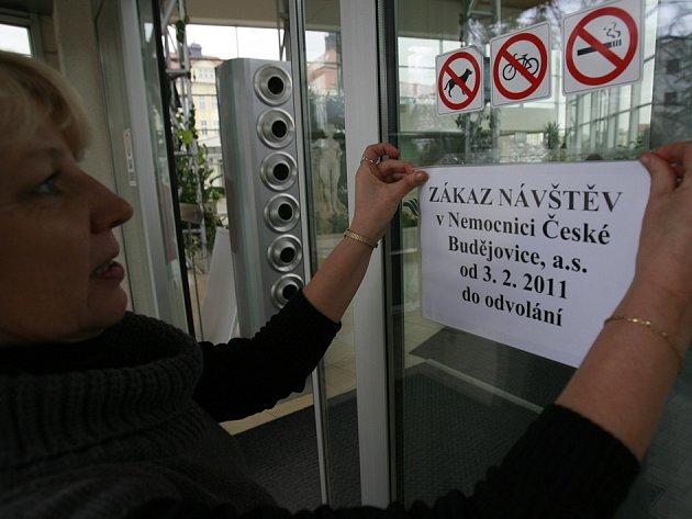Kvůli chřipkové epidemii trvá v českobudějovické nemocnici zákaz návštěv.