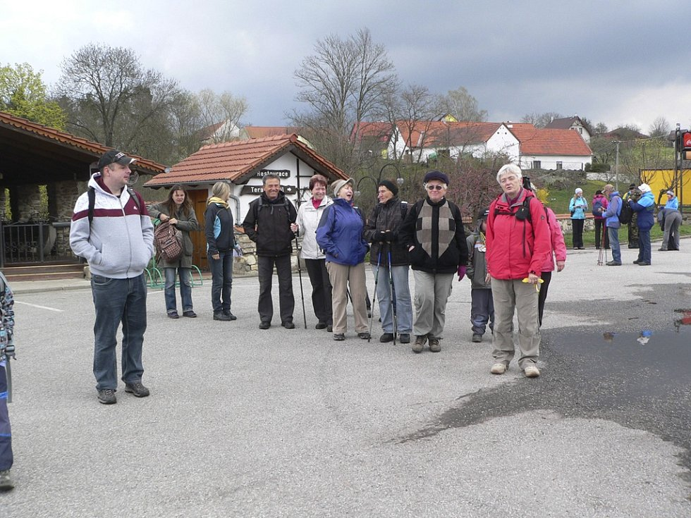 Pochod Blanským lesem. Na startu v Kosově.
