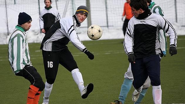 Zimní přípravné fotbalové utkání / FK Slavoj Český Krumlov - FC Vlachovo Březí 2:1 (0:1).