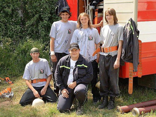 Benešovští dobrovolní hasiči.