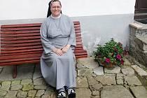 Sestra Karmela z Kongregace Milosrdných sestwer sv. Kříže v Kájově.