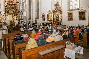 Vánoční koncert v sobotu rozezněl kostel sv. Máří Magdalény ve Chvalšinách.