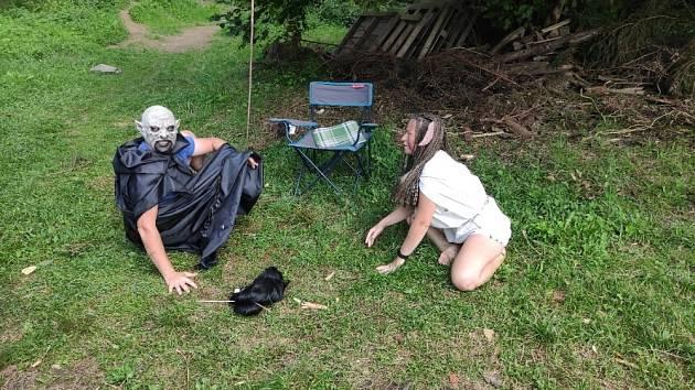 Děti si letní tábor u Čeřína nedaleko Zátoně užily. Tématem byl kouzelnický svět Harryho Pottera