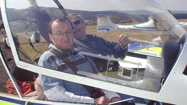 Malá letadla využívají letiště v Blatné u Frymburku.