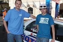 Michala Křemena a Pavla Kacerovského (na snímku zprava) čeká na Vysočině druhý společný start s autem nejsilnější objemové třídy N4.