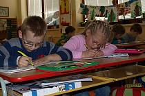 Školu v Besednici navštěvuje 141 dětí nejen z obce samotné, ale také ze Soběnova, Ločenic, Svatého Jána nad Malší a okolních osad. Na snímku žáci první třídy.