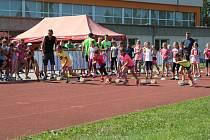 Okresní atletická olympiáda základních škol z Českokrumlovska v Kaplici.