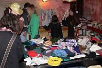 Bleší trh na podporu hornoplánského dětského domova v českokrumlovském Travellers´ Hostelu potrvá až do 23. prosince.