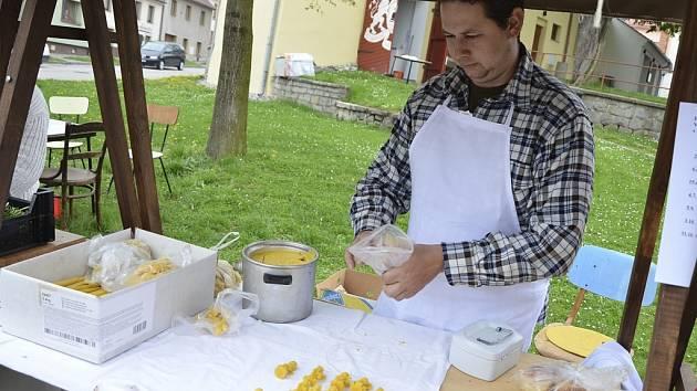 První farmářské trhy se konaly ve čtvrtek ve Velešíně.