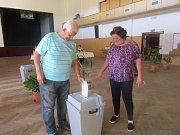 Volby v Loučovicích v tamním kulturním domě.