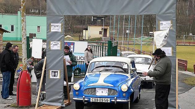 Závod prověří orientační i jiné schopnosti jeho účastníků. K vidění budou různé skvosty automobilové historie.