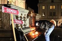 Demonstrace za vyslovení nedůvěry vládě se bude v Českém Krumlově konat v pátek v 17 hodin.