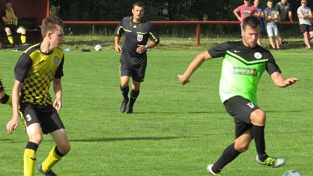 Letní příprava: FK Spartak Kaplice (žlutočerné dresy) – SK Rudolfov 1:6 (0:3).
