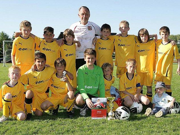 Vítěz regionálního kola E.ON Junior Cupu 2010 – mladí fotbalisté českokrumlovského Slavoje.