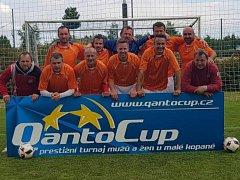 Vítězové veteránského turnaje hráčů nad 35 let Qanto Cupu ve Svitavách – Paroh team Kaplice.