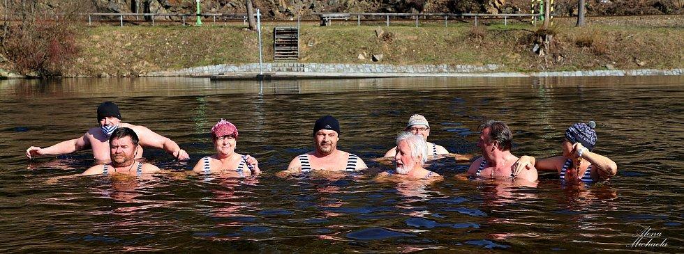 Turistický spolek Lipenska pořádal otužileckou akci. Kvůli covidu se nemohla konat na Lipensku, a tak se všichni otužilci měli do vody ponořit v katastru své obce. Certifikát o účasti si vygenerovalo 2346 lidí.