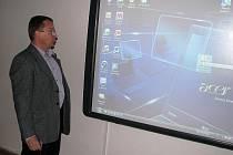 Velmi často si za evropské peníze školy pořizují hlavně počítače nebo nové interaktivní tabule.