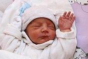 Matyáš Šlosár se narodil ve čtvrtek 21. ledna 2016 v5:54, měřil 46 centimetrů a vážil 2595 gramů. Rodina Anny Zdeňkové a Vladimíra Šlosára se tak opět rozrostla – partneři zČerveného Dvora už mají pětiletého Jakuba a osmnáctiměsíční Karolínku.