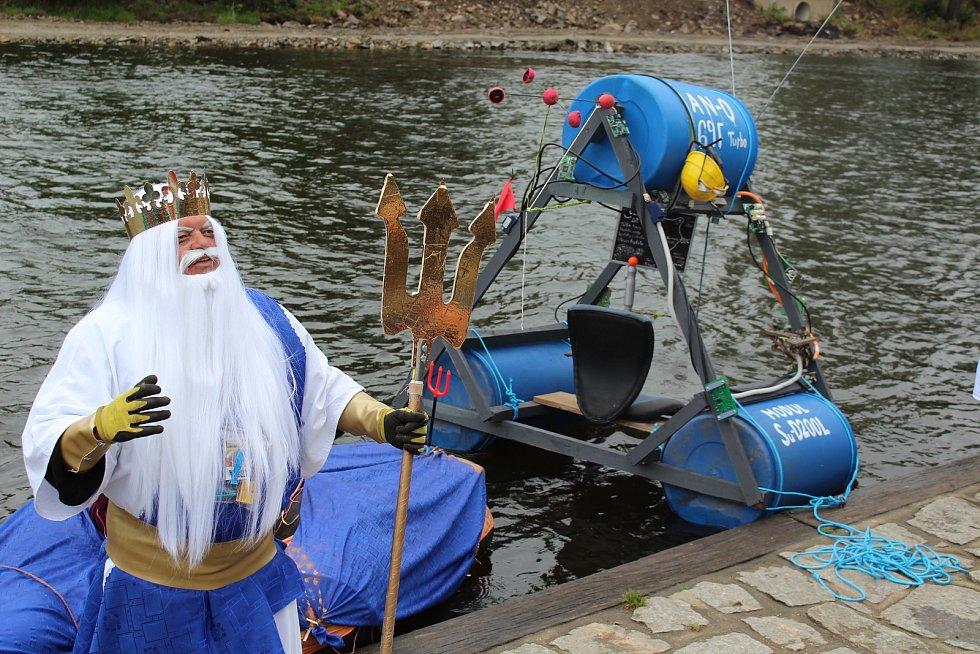Kuriózní plavidla se jako vždy svým tvůrcům skvěle podařila.