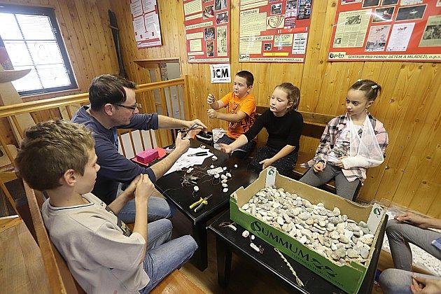 Výtvarné dílny v českokrumlovské Boudě navštivili žáci ze zš Plešivec