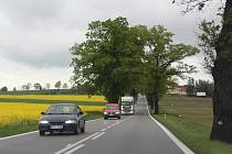 Silnice E55 v úseku za Netřebicemi v jarním období.