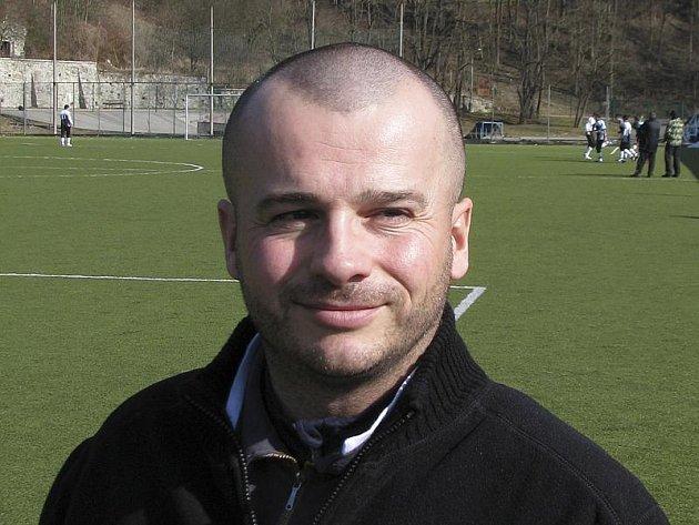 Hráč třetího týmu okresního přeboru z Větřní a náš fotbalový glosátor Jiří Opekar.