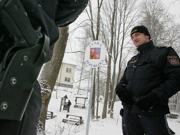 Nově otevřený přechod v Pohoří na Šumavě naplnil dlouholeté snahy obcí na hranici.