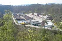 Stavba čističky začala vpolovině 80. let 20. století vprostoru bývalého fotbalového hřiště vRozsypu.