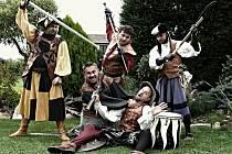 Bratři z Růže vystoupí na hradě Rožmberk.