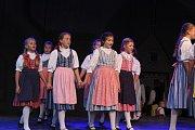 Mezinárodní folklórní festival uzavřela vystoupení domácích souborů Jitřenka a Růže.