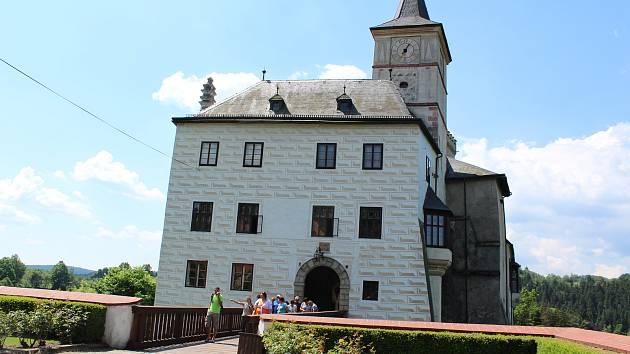 Na hradě Rožmberk můžete navštívit besedy.