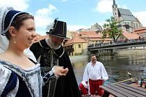Vilém z Rožmberka a Polyxena z Pernštejna dostali darem benátskou gondolu. Pak plavby na ní náležely dalším zájemcům.